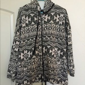 American Eagle Patterned Zip-Up Sweatshirt